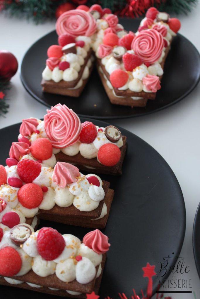 Letter Cake Rouge : Vanille, Framboises et épices à pain d'épices