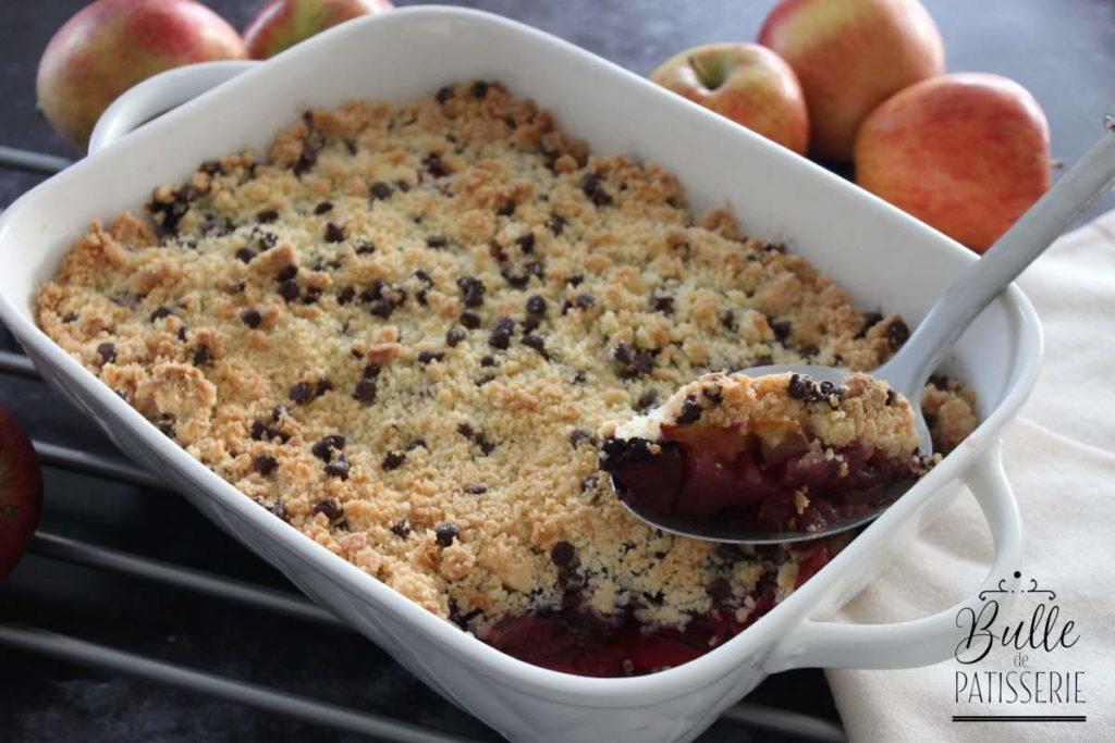 Recette facile et rapide : crumble pomme-fruit rouge-chocolat