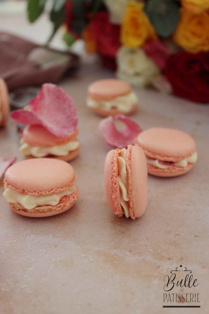 Macarons à la rose, insert à la framboise
