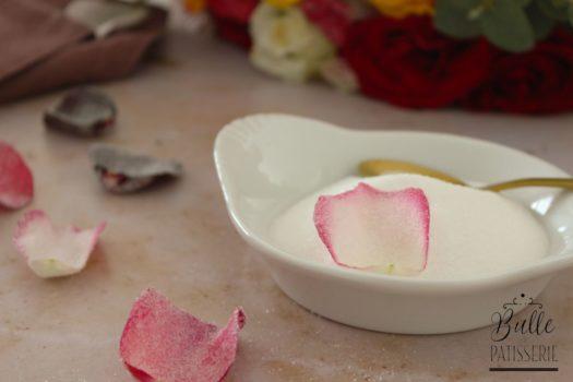 Comment cristalliser des pétales de rose ?