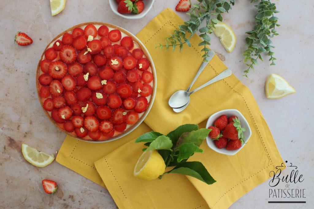 Tarte maison : pâte sucrée, crème de citron et fraises