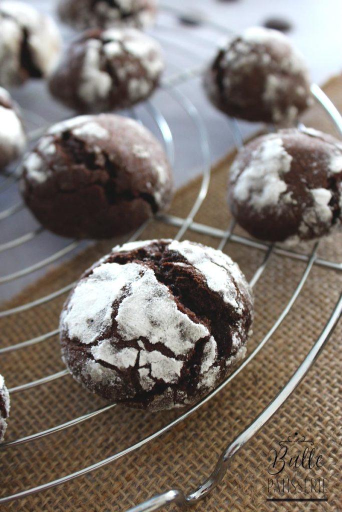 Biscuits moelleux : craquelés au chocolat