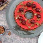 Entremets d'été : insert cerise, mousse chocolat, dacquoise et streusel