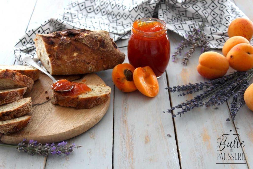 Recette de confiture à l'abricot et à la lavande