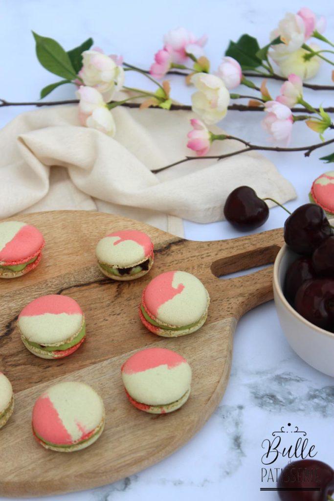 Macarons bicolores Cerise-Pistache