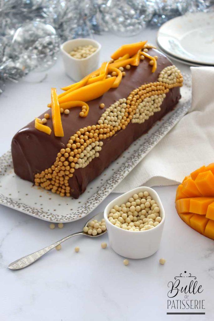 Bûche de Noël Mangue-Chocolat façon entremets
