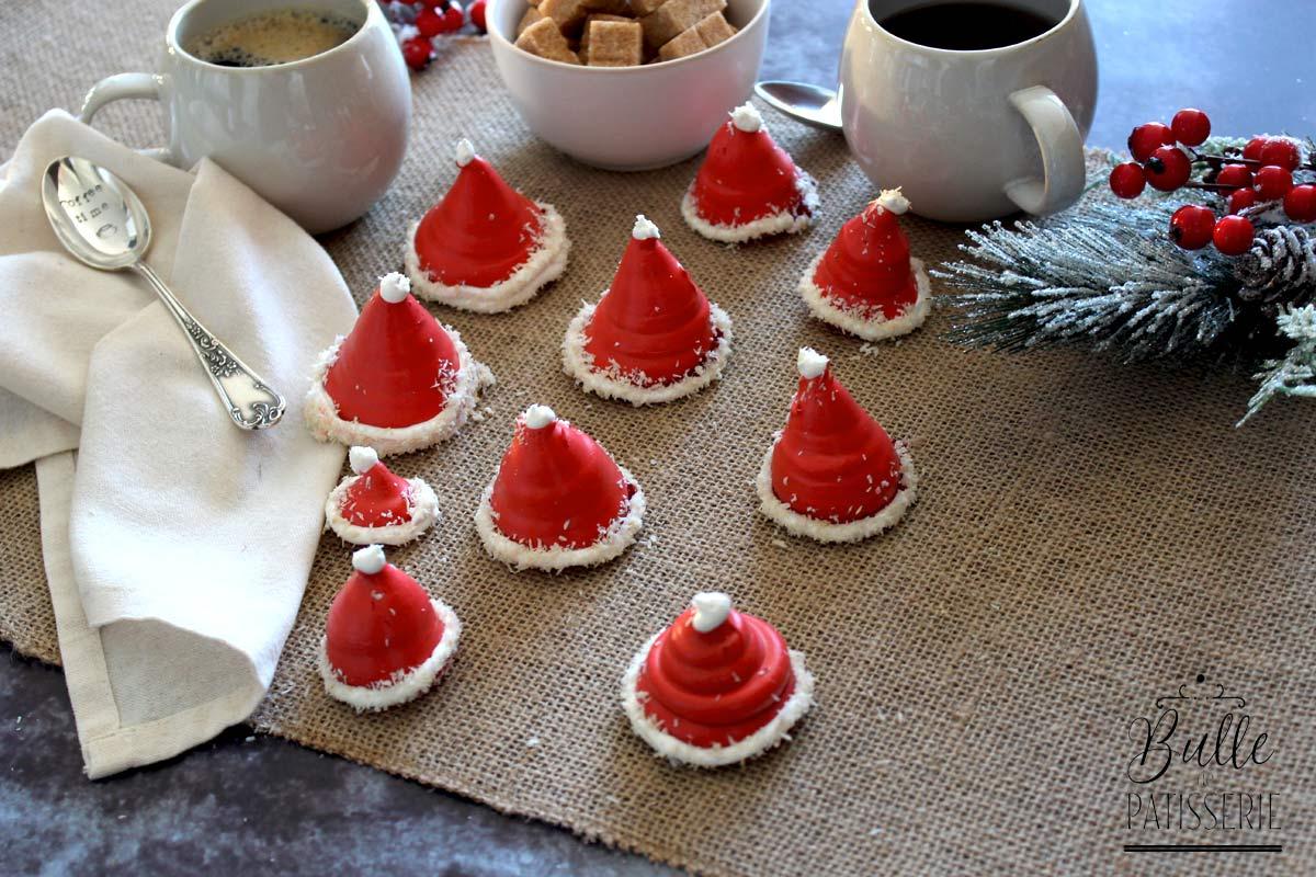 Recette de Noël : Meringues en forme de bonnets de Père Noël