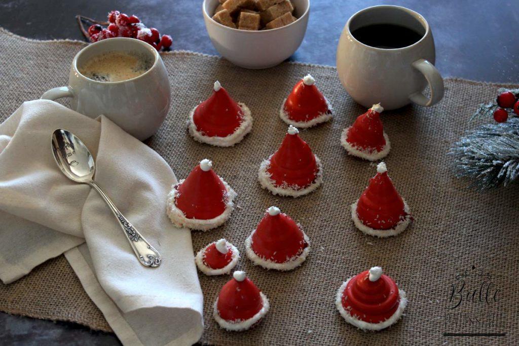 Bonnets de Père Noël en meringues