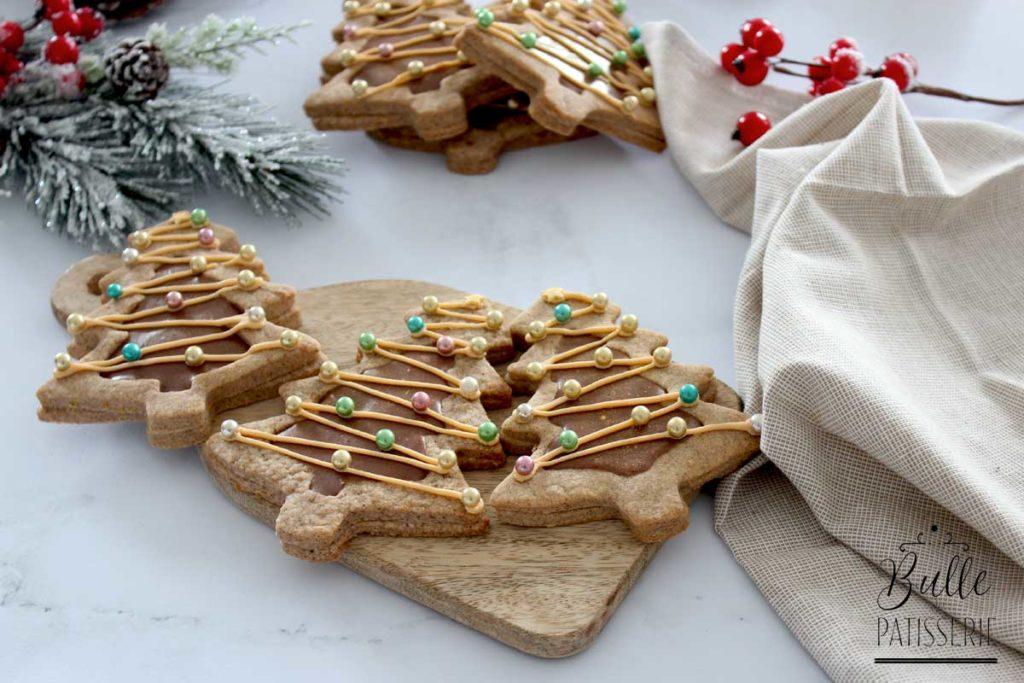 Petits biscuits de Noël : sablés praliné-chocolat