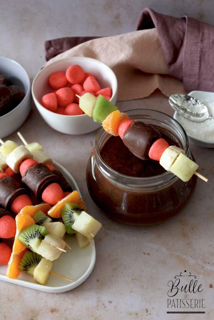 Recette express : fondue au chocolat et brochettes de fruits gourmandes