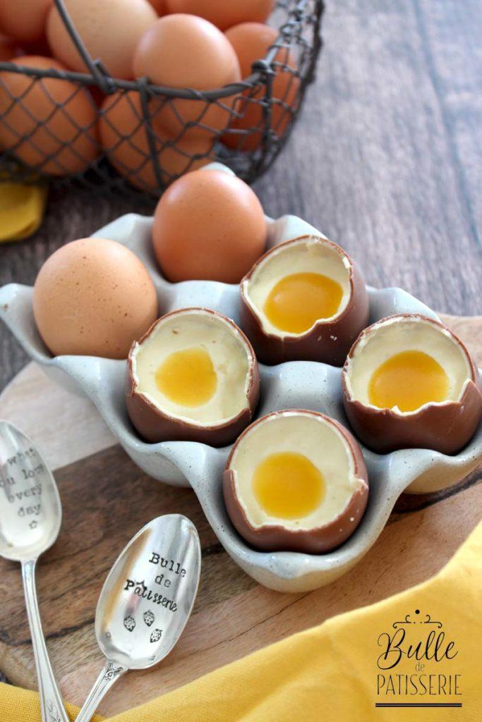 Trompe l'œil : œuf en chocolat, mousse chocolat blanc, insert mangue