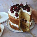 Recette de Molly Cake à la chantilly et aux cerises